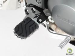 Wide Footpeg Kit - Suzuki DL 650 (1)