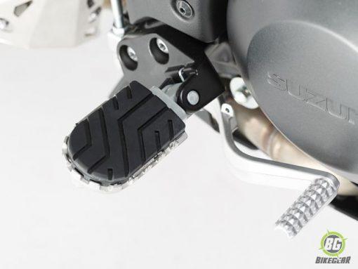 Wide Footpeg Kit – Suzuki DL 650 (1)