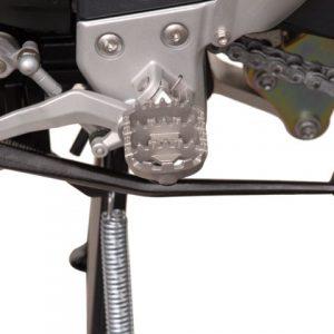 Wide Footpeg Kit – Triumph Tiger 1050i (4)