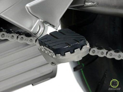 Wide Footpeg Kit – Kawasaki Versys 1000 (1)