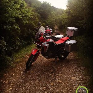 africa-twin-globescout-panniers_002